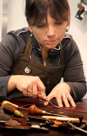 Catherine-Edwards-leather-worker-tutor-at-creative-with-nature